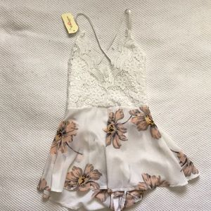 Flowly romper lace detail and low back